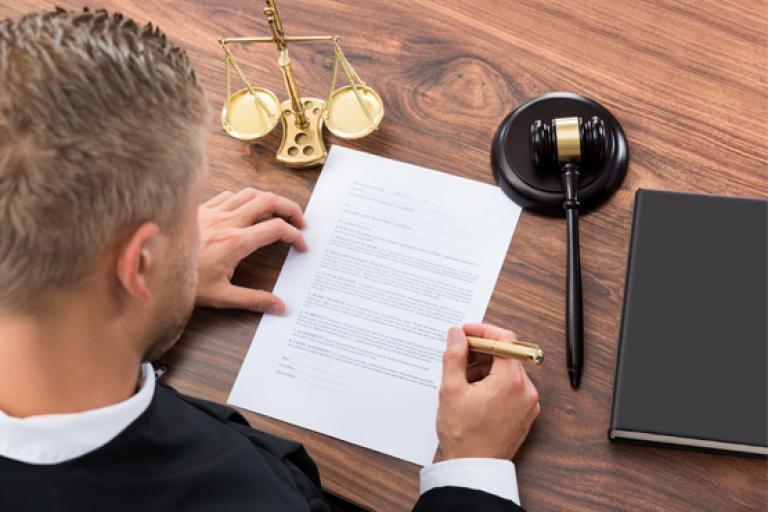 Licenciatura en Derecho | Universidad Castro Carazo